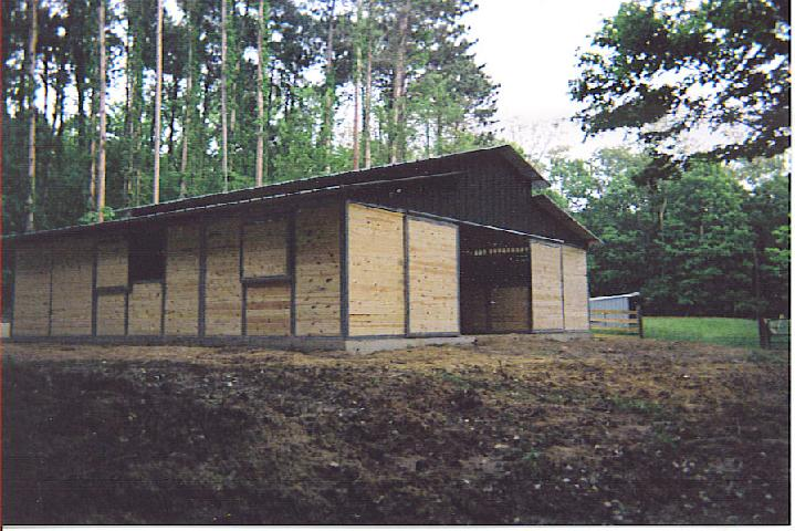 RCA Tongue and Groove Horse Barn with 14' Breezeway